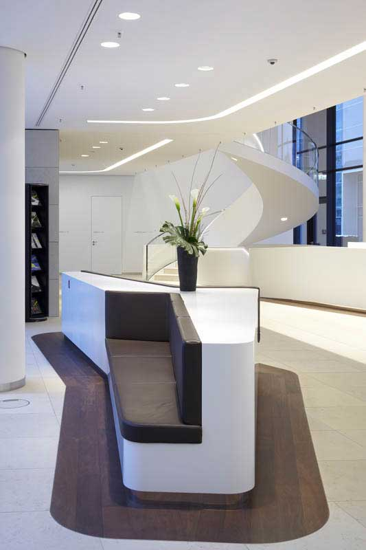 Clean Elegant Office Interior By Landau Kindelbacher Architects